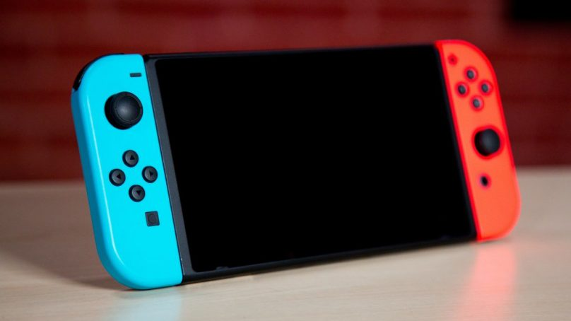 Nintendo has no plans to sell the Switch without a dock in North America